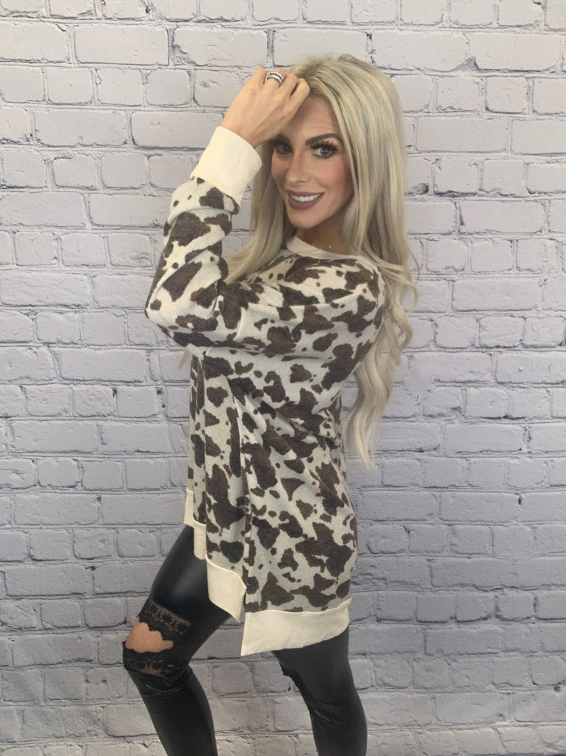 Honeyme-Long sleeve animal print top