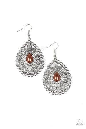 Glamour Grandeur Brown Earring