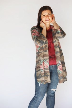3/4 Sleeve Camo and Floral Cardigan