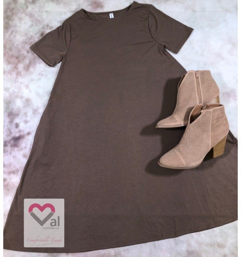 80840f40ad54 ... Short Sleeve Swing Dress with Pockets ...