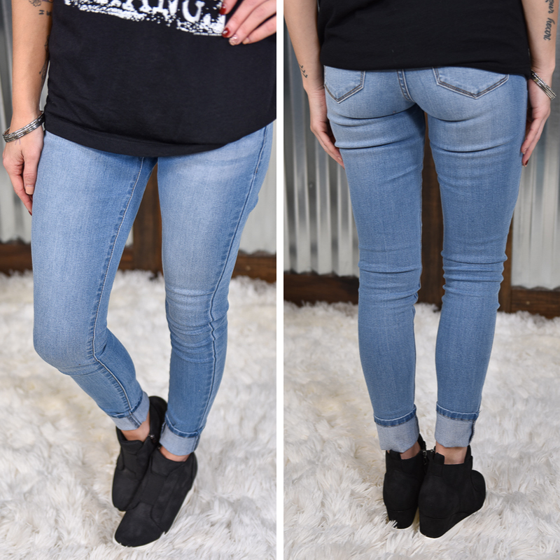 Kan Can Light Wash Mid Rise Skinny Jeans